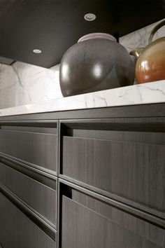 Linear kitchen with integrated handles - Timeline legno charcoal grey dettaglio maniglia