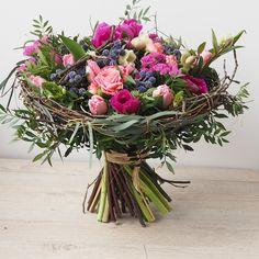 1 million+ Stunning Free Images to Use Anywhere Unique Flower Arrangements, Orchid Arrangements, Flower Box Gift, Flower Studio, Flower Images, Floral Bouquets, Plant Decor, Flower Decorations, Flower Designs
