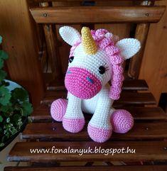 Crochet Horse, Crochet Animal Amigurumi, Crochet Unicorn, Crochet Animal Patterns, Stuffed Animal Patterns, Amigurumi Doll, Crochet Animals, Amigurumi Minta, Crochet Pouch