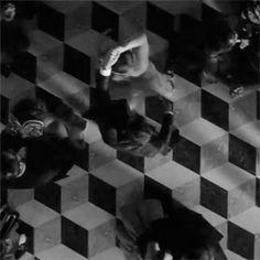 DANCE DANCE CHRISTIAN.!! 😏🎶