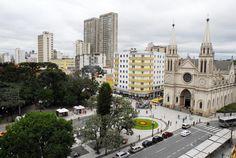 Praça Tiradentes e Catedral Metropolitana, Curitiba.