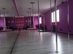 World Best Pole Dance Rooms - A beautiful room in violet