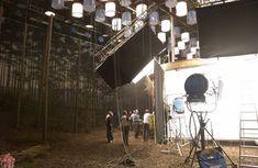 Children of Men Alfonso Cuarón Cinematography: Emmanuel Lubezki Light Cinema, Cinematic Lighting, Children Of Men, Lighting Techniques, Stranger Things Netflix, Scenic Design, Scene Photo, Great Movies, Dream Life