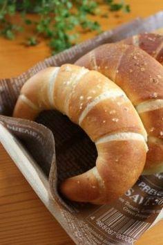 低温発酵生地で作るクレッセント(塩パン)