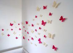 """Pour créer une petite déco bucolique, ce lot de 40 """"Papillons 3D"""" beige et rose fushia viendra a point !  ils s'appliquent sur les murs, les meubles ou les fenêtres.   Poss - 13324587"""