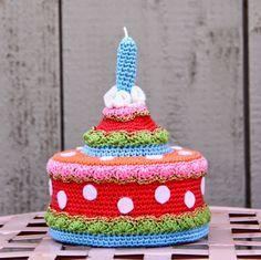 Gratis Nederlands haak patroon crochet * taart / Free Dutch crochet pattern birthday cake