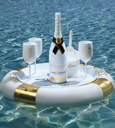 Moet Ice Imperial #Champagne on ice                              …