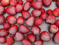 Whether your local grocery store is out of fresh produce or you're trying to limit store visits, these are the best frozen fruits and vegetables to buy. Frozen Grapes, Frozen Fruit, Frozen Peas, Frozen Banana, Freezing Strawberries, Frozen Strawberries, Peas And Prosciutto Recipe, Cooking Frozen Green Beans, Thanksgiving Vegetables