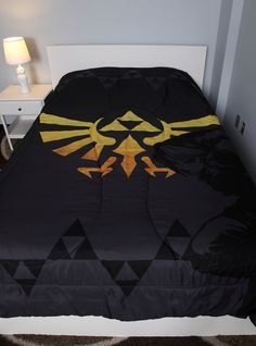 The Legend Of Zelda Triforce Full/Queen Comforter Hot Topic The Legend Of Zelda, My New Room, My Room, Geeks, Geek Home Decor, Nerd Decor, Link Zelda, Bedding Sets, Decoration
