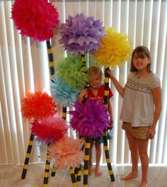 My kid is obsessed with The Lorax ~ Truffula trees (note to self: see zenobia's pins for other cute Dr. Grad Parties, Birthday Parties, 2nd Birthday, Truffula Trees, Lorax Trees, Dr Seuss Crafts, Horton Hears A Who, Preschool Graduation, Tissue Paper Flowers