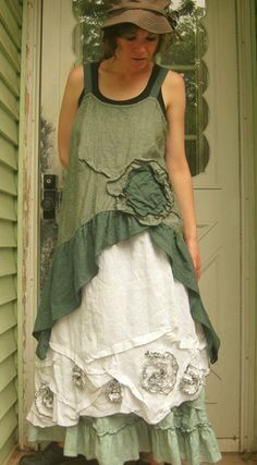 More Mori Girl layering. A lot more lace and ruffles than Lagenlook. More Mori Girl layering. A lot more lace and ruffles than Lagenlook. Boho Outfits, Pretty Outfits, Beautiful Outfits, Vintage Outfits, Fashion Outfits, Grunge Outfits, Look Hippie Chic, Bohemian Style, Mode Shabby Chic