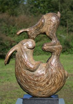 Yvonne Visser - Bronze StatuesTitle:	153 - Haas and Haasje Circulation:	8 Height:	53 cm