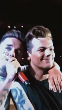 One Direction Videos, One Direction Humor, One Direction Background, Friendship Video, Best Duos, Normal Guys, Anime Best Friends, Treat People With Kindness, Liam Payne