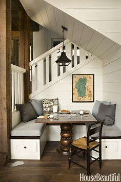 Under stairs, you can manage this Breakfast Nook Ideas for your home, it save your space and this way you can do extra creativity. Dining Nook, Dining Room Design, Dinning Table, Nook Table, Dining Corner, Chess Table, Dining Chairs, Home Interior, Interior Design