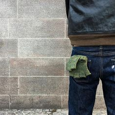 Back to basic. Fingerless gloves from Upstate Stock in the back pocket. Feather symbol for Pure Blue Japan on the other pocket. @maxnordanaker #jeans #denim #purebluejapan #fingerlessgloves #upstatestock