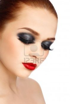 Dark smokey eyes red lips