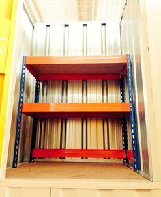 www.todokb.com trastero mini con estantería solo en TodoKB Selfstorage Pamplona alquiler trasteros y almacenes