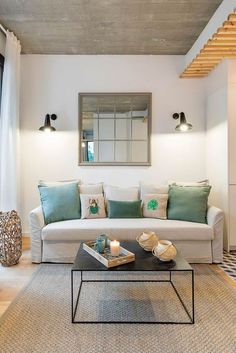 piso en barcelona Pop Art, Beautiful Living Rooms, Small Rooms, Home Staging, Home Living Room, Bunt, Beach House, Sweet Home, Modern