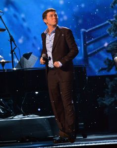 Scotty McCreery CMA Country Christmas 2012