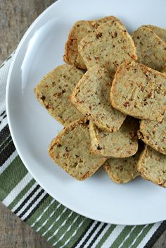 Authentic Suburban Gourmet: Friday Night Bites | Bacon Parmesan Crackers by @Lisa Phillips-Barton | Authentic Suburban Gourmet