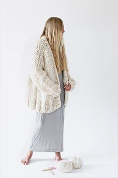 super chunky oversized knit cardigan from merino yarn - available as DIY kit - oversized Strickjacke zum Selberstricken Oversized Knit Cardigan, Knit Cardigan Pattern, Sweater Knitting Patterns, Kawaii Pullover, Kawaii Sweater, Chunky Knitwear, How To Purl Knit, Chelsea, Textiles