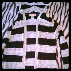 Black and white sweater No holes or stains Sweaters