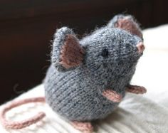 Mousie Knitting Pattern