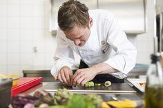 Meister am Werk http://blog.eventsofa.de/top-10-catering-service-anbieter-in-deutschland/  Foto by Hotel Michaelis #Catering #Dinner #Leipzig