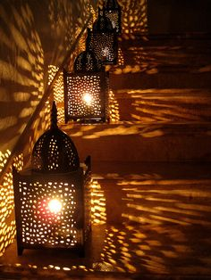Arabian-style #lanterns cast cozy glow on the stairs. #light #photography