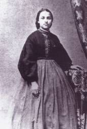 The Garibaldi shirt, an Italian style shirt, was also quite popular during the 1860s. These shirts of red or black wool or white cotton had ...