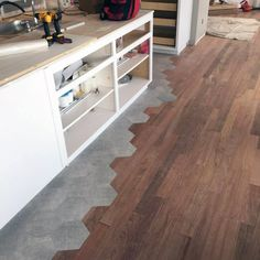flooring design Contemporary Tile To Wood Floor Transition Idea Inspiration Küchen Design, Floor Design, House Design, Interior Design, Tile To Wood Transition, Transition Flooring, Woodworking Furniture Plans, Woodworking Projects That Sell, Kids Woodworking