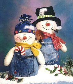 Denim Snowman and Snowlady Sock Snowman, Snowman Crafts, Christmas Projects, Felt Crafts, Holiday Crafts, Christmas Sewing, Christmas Snowman, Winter Christmas, Christmas Holidays