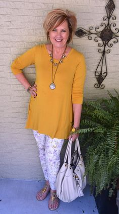 I just got home from Las Vegas, and I am packing to head out again in a couple of hours. Sandy, my BFF, and I… Over 50 Womens Fashion, Only Fashion, Fashion Over 50, Fashion 2017, Girl Fashion, Fall Fashion Trends, Autumn Fashion, Stylish Outfits, Cool Outfits