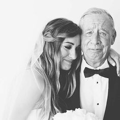 For an emotional photo like this, do a father of the bride first look! Photo by My One Love. | mysweetengagement...