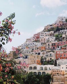 Spring in europe adventure travel, welt, amalfi coast, places to travel, tr The Places Youll Go, Places To Visit, Places To Travel, Travel Destinations, Greek Island Hopping, Travel Aesthetic, Summer Aesthetic, Ubud, Adventure Is Out There