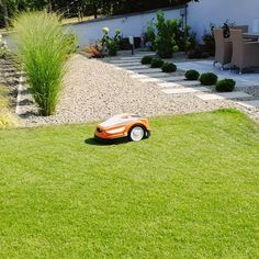 #robotfűnyíró #gardening #gardendesign #kerttervezés #kerttervező #kertész #gardendesigner #kert #garden #kertiszegély #fuvesites #gyep… Golf Courses