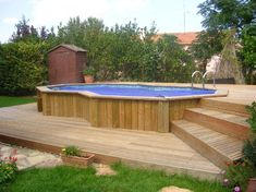 Montpellier 34 piscine standard semi-enterrée et terrasse bois