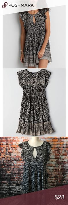 American Eagle Outfitters Loose fit short dress 100% viscose, new with tags. Never worn. Perfect for leggings! Reasonable offers are welcome and will be accepted immediately! American Eagle Outfitters Dresses Mini