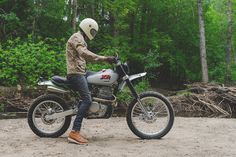 Is 'scrambler' the most overused description in the custom scene vernacular? We're suckers for the real deal — like this Honda from Built for blasting through the British Colombia backwoods, it's a fully-functional dual. Dominator Scrambler, Scrambler Motorcycle, Bobber, Scrambler Custom, Women Motorcycle, Motorcycle Gear, Bultaco Mercurio, Soichiro Honda, Dual Sport