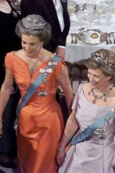 Benedikte in the fringe tiar and Anne-Marie in the ruby Greek Royalty, Danish Royalty, Greek Royal Family, Danish Royal Family, Casa Real, Royal Tiaras, Royal Jewelry, Royal House, Rose Dress