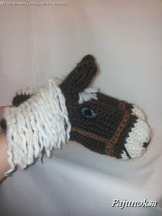 Koruja ja käsitöitä valmistavan ja myyvän artesaanin blogi. Knitting For Kids, Crochet For Kids, Baby Knitting Patterns, Knitting Stitches, Knitting Yarn, Crochet Mittens, Crochet Gloves, Knitted Hats, Crochet Horse