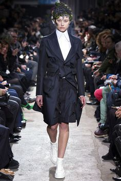 Comme des Garçons Fall 2013 Ready-to-Wear Collection Slideshow on Style.com