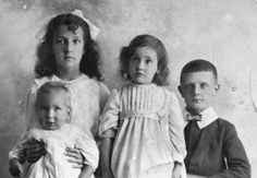 awkward Victorian family photos.