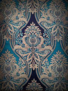 Victorian Wallpaper, Damask Wallpaper, Fabric Design, Pattern Design, Textile Design, Victorian Fabric Patterns, Art Chinois, Decorative Lines, Indian Folk Art