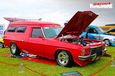 Panel van enthusiasts experience vantasia at the Van Nats in Moe Big Girl Toys, Girls Toys, Aussie Muscle Cars, Australian Cars, Custom Vans, Station Wagon, General Motors, Motocross, Cool Cars