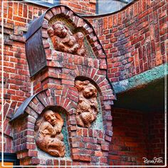 Bremen Bremen Germany, Lower Saxony, What A Wonderful World, Germany Travel, Wonders Of The World, Fairy Tales, Cities, Lion Sculpture, Father