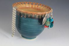 Super cool clay pottery jewelry/earring bowl... <3 <3 <3 it!!!