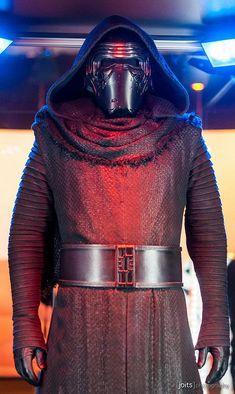 Kylo Ren Costume in Star Wars The Force Awakens
