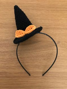 Witch hat Headband costume for halloween alice band, small hat Made of cotton Suitable for adults and children. Thanksgiving Crochet, Holiday Crochet, Crochet Hair Accessories, Crochet Hair Styles, Diy Crafts Crochet, Yarn Crafts, Crochet Designs, Crochet Patterns, Baby Girl Hair Bands