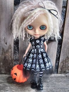 dolly molly SKULLS halloween dress for Blythe doll LIMITED EDITION on Etsy, $25.00